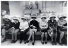 Bert Nienhuis (1944)  -  Kappersvaksschool-Hairdressing school, Amsterdam - Postkaarten-set -  B3418-1